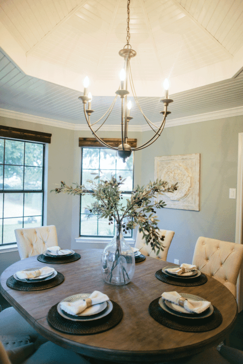 Fixer Upper Season 2 Episode 4 The House On The River Kitchen Table Centerpiece Farmhouse Kitchen Tables Dining Room Inspiration