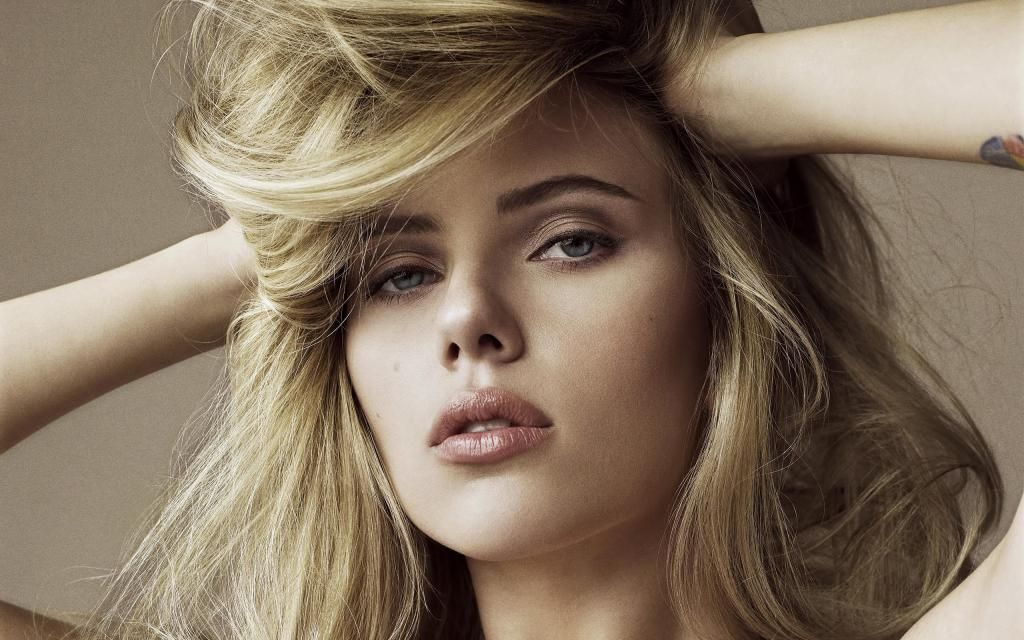 Iphone X Live Wallpaper Female Celebrities Hd Wallpapers For Your Desktop Hollywood Female Ce Scarlett Johansson Hairstyle Celebrity Faces Celebrity Wallpapers