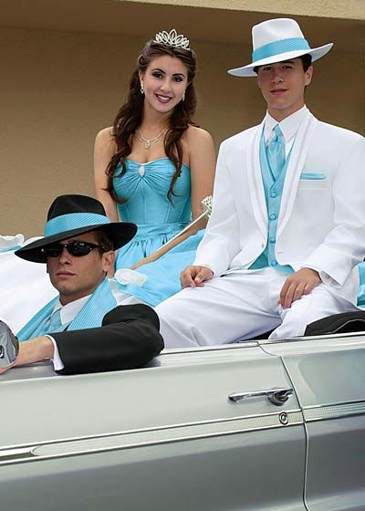 Quinceanera group. Guys formalwear styles at Alexanders ... Quinceanera Chambelanes Tuxedos With Blue