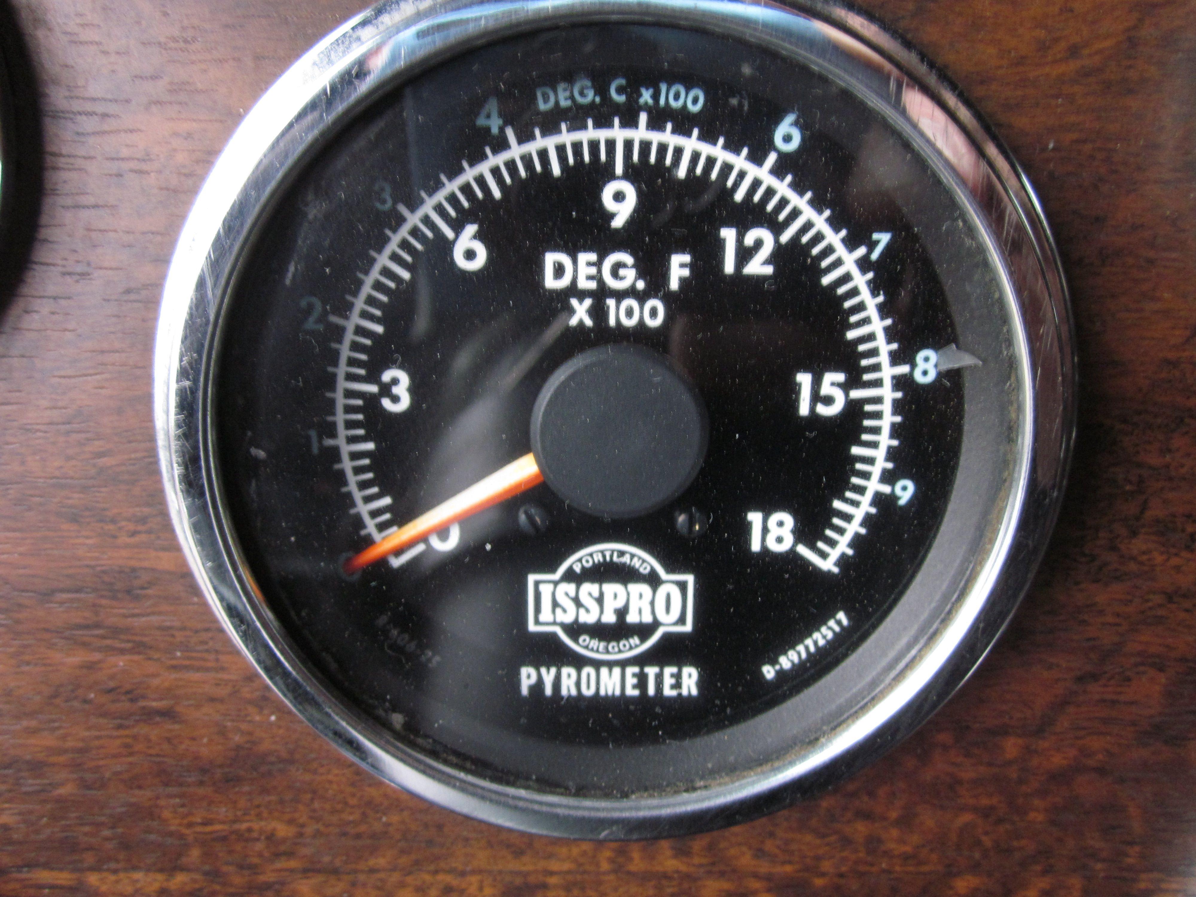 Engine gauges pyrometer measures exhaust temp