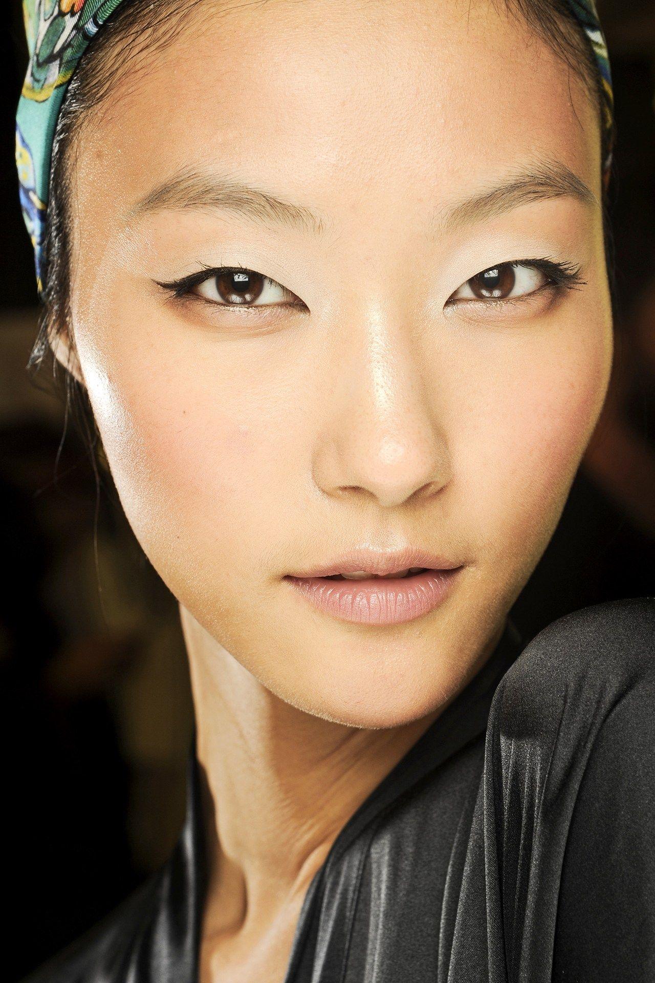10 Best Liquid Eye Liners Makeup looks, Best liquid