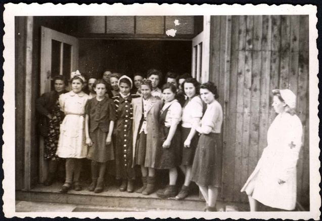 dachau girls Abram sachar's description of the liberation of dachau concentration camp.