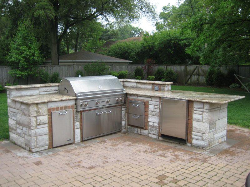 Outdoor brick grill patios driveways sidewalks grill for Brick outdoor kitchen designs
