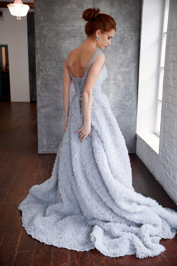 elegantes abendkleid mit schleppe idee für silvester