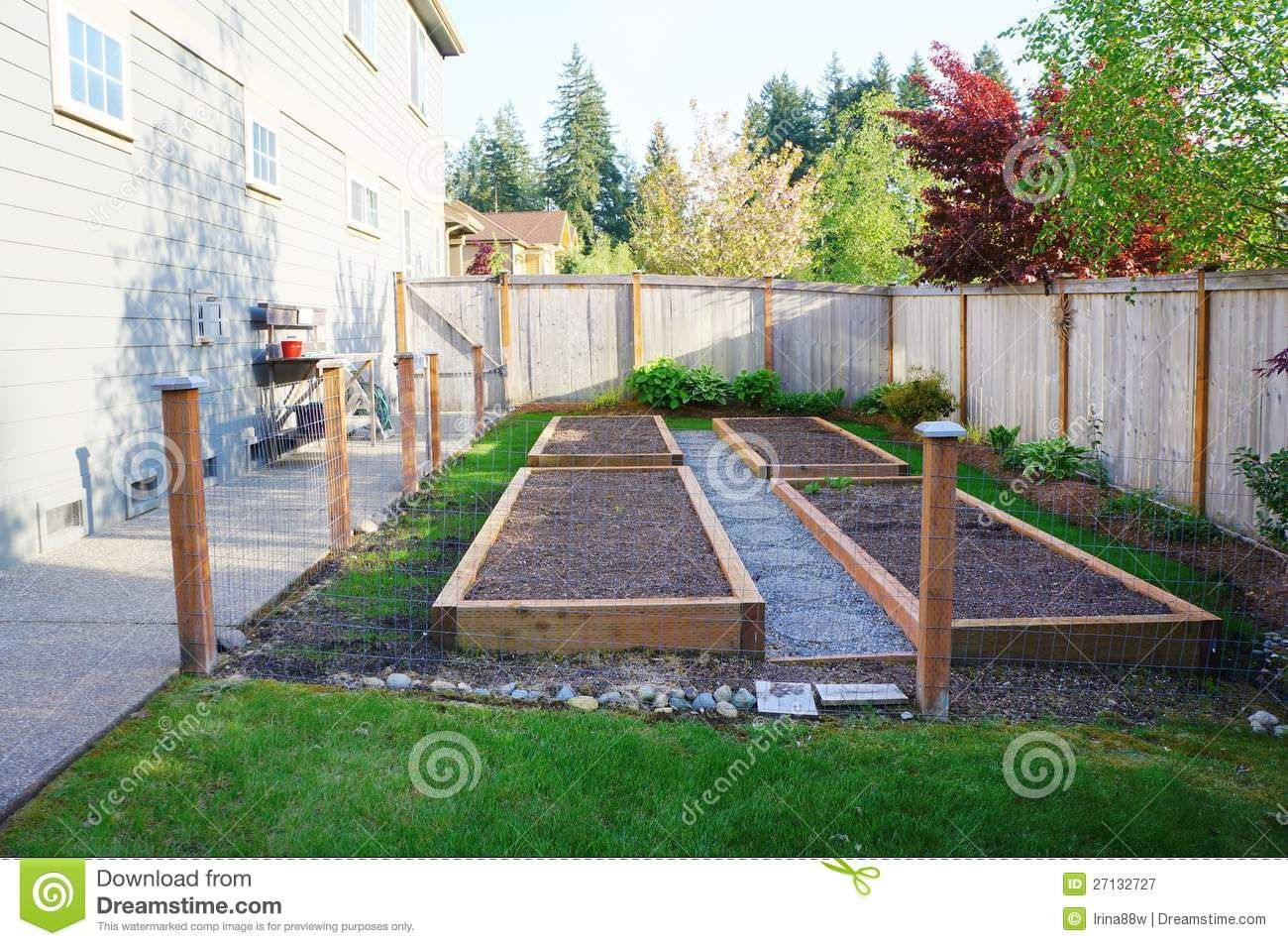 Vegetable Garden Ideas For Small Yards Part - 34: Vegetable Gardens For Small Yards | Small Vegetable Garden With Risen Beds  In The Fenced Backyard