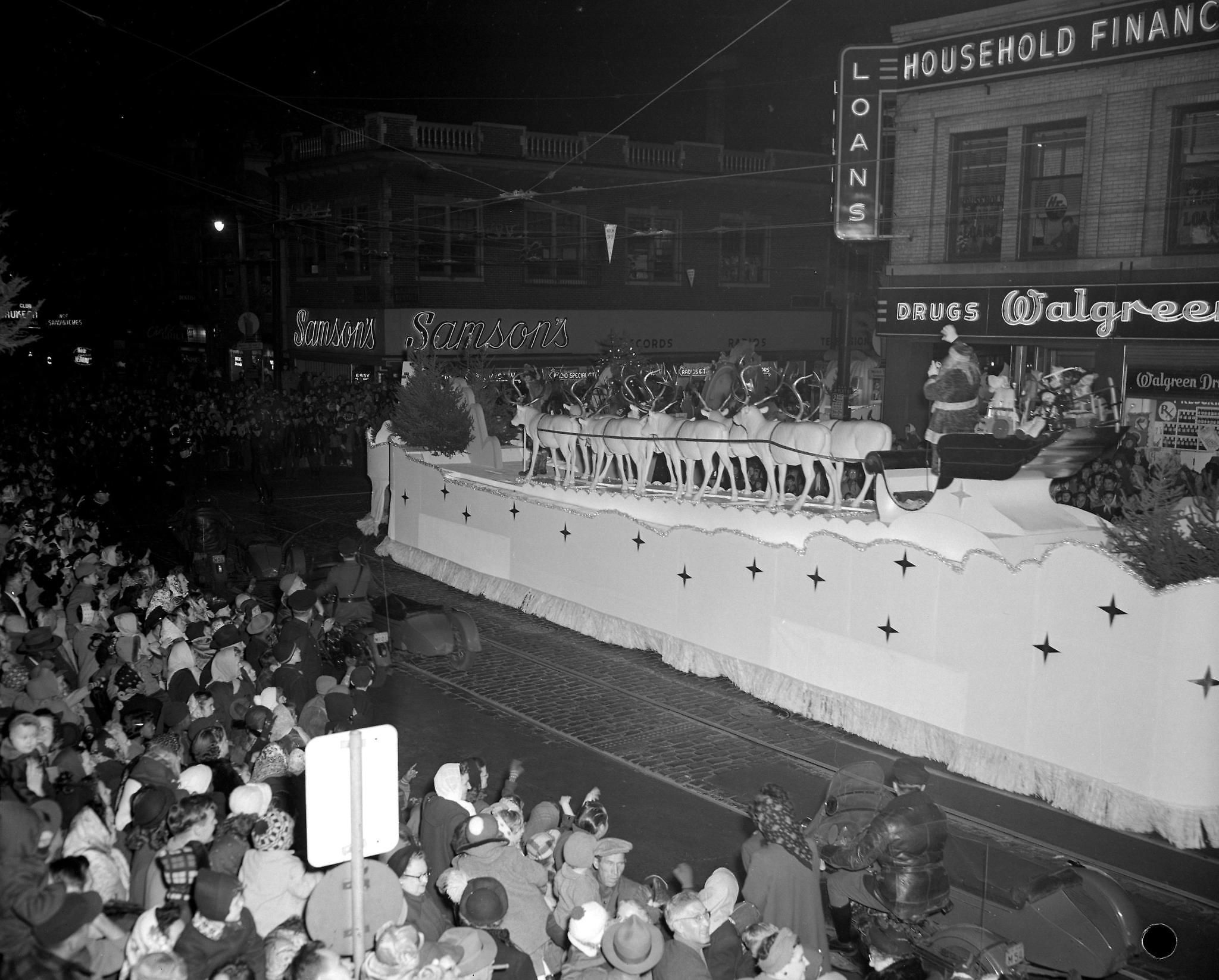 Milwaukee Christmas Parade.Schuster S Brings Parade To Town In 1950 In 2019