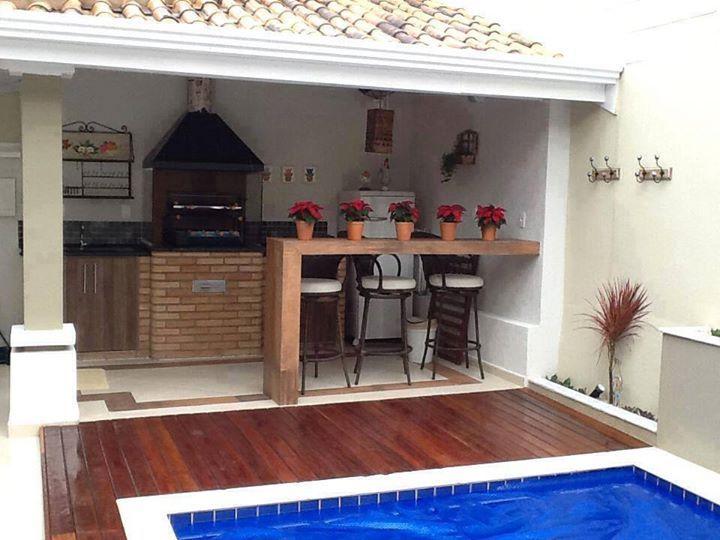 Peque a galeria con piscina y parrilla patios y aire for Piscinas en patios de casas