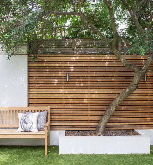 How to transform an ugly duckling wall into a star