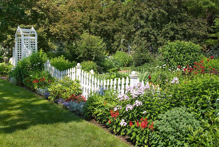 17 Best 1000 images about Fence ideas for backyard on Pinterest