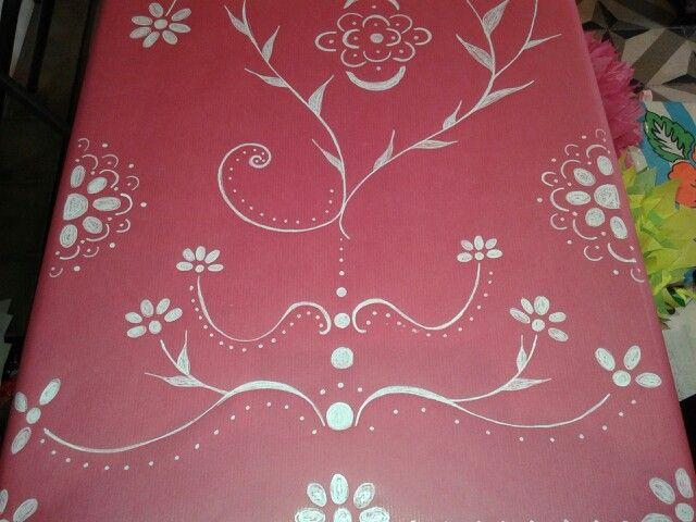 Mantel de papel kraft en color fucsia pintado a mano glitter prertty party pinterest - Papel pintado a mano ...