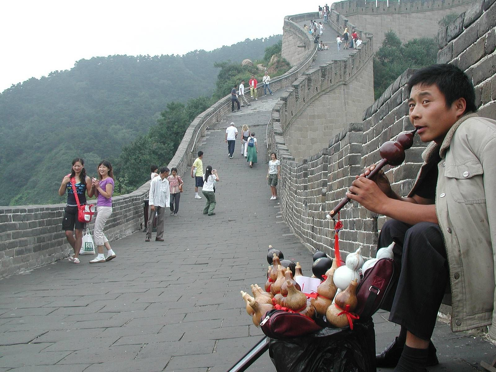 chinese people at the great wall great wall of china on the great wall of china id=63684