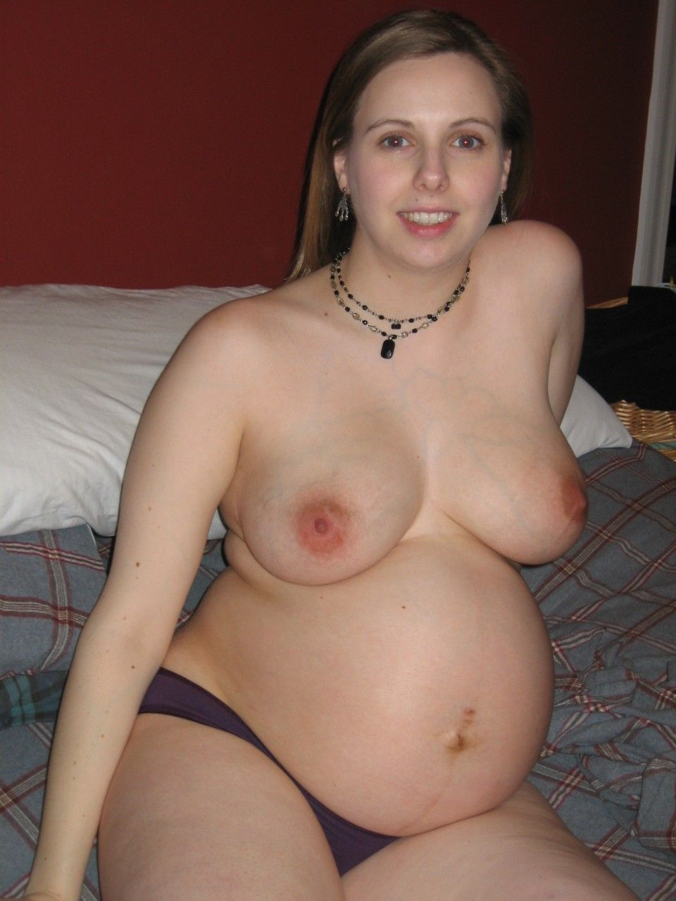 really hot pregnant girls naked