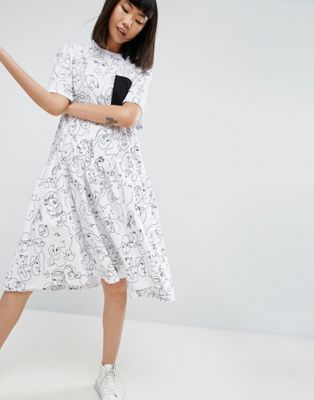 776bcdc3955 WHITE Face Print Drop Hem Midi Dress
