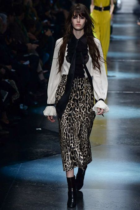 Roberto Cavalli - Fall 2015 Ready-to-Wear - Look 6 of 54