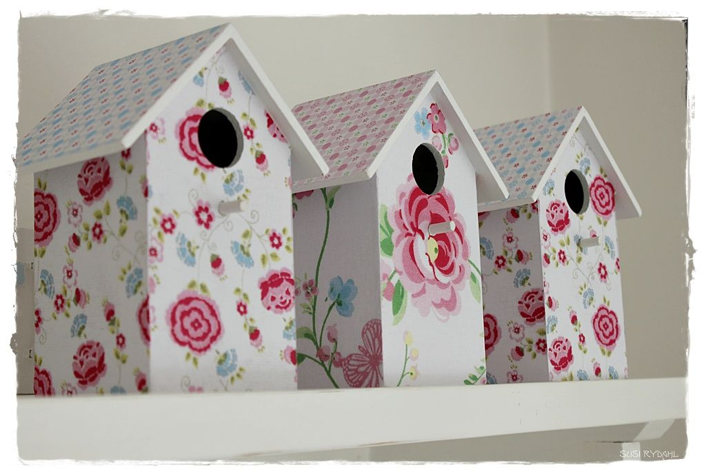 Sommerhusliv all year | birdhouses covered in GreenGate paper for Easter