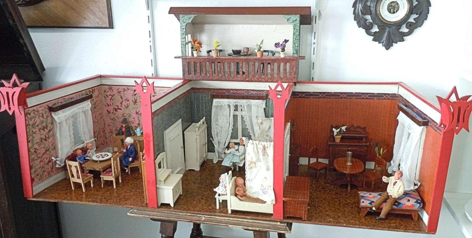 Puppenstube 3 Räume mit Balkon , Möbel und Puppen 20/30er Jahre in ...