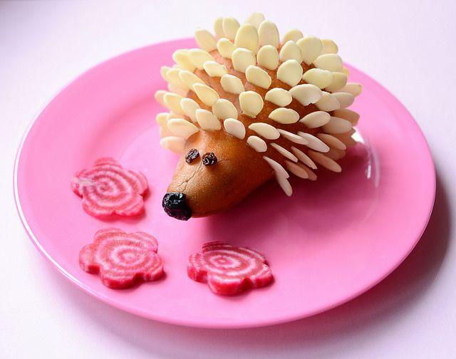monoprixhedgehog by kirstenreese, via Flickr http://www.meetthedubiens.com/2014/03/creative-food-plates.html