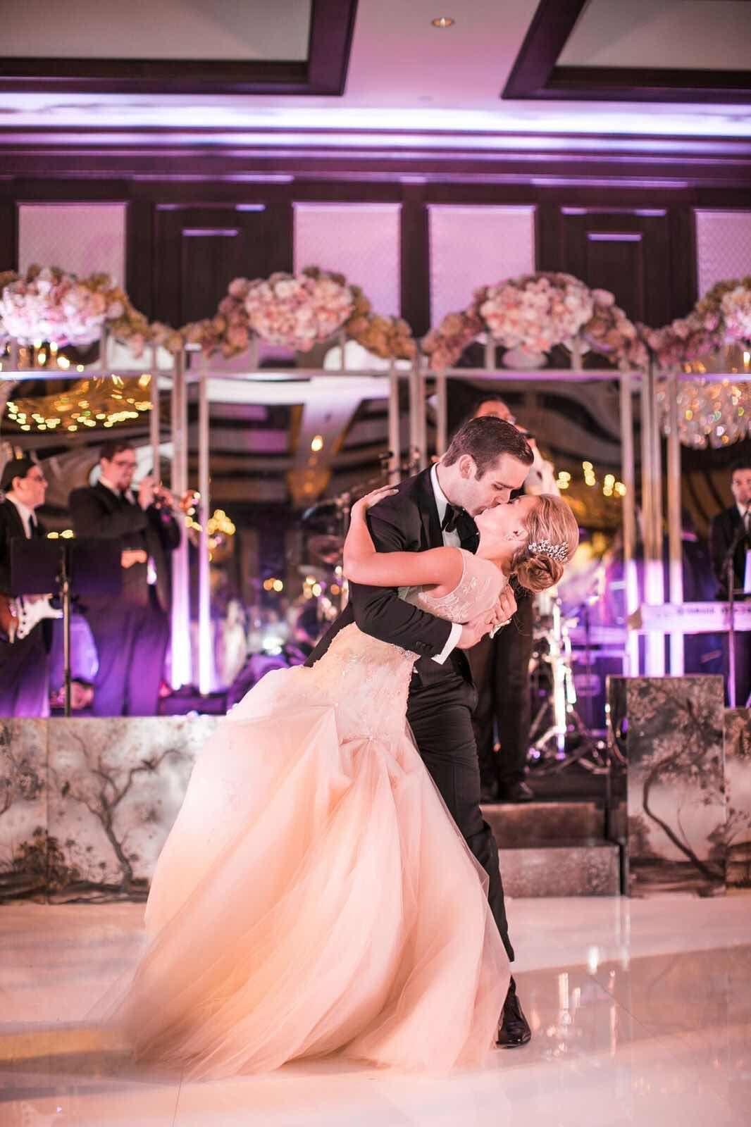 Luxury Dallas Wedding with Blush Details from Samuel Lippke Sudios ...