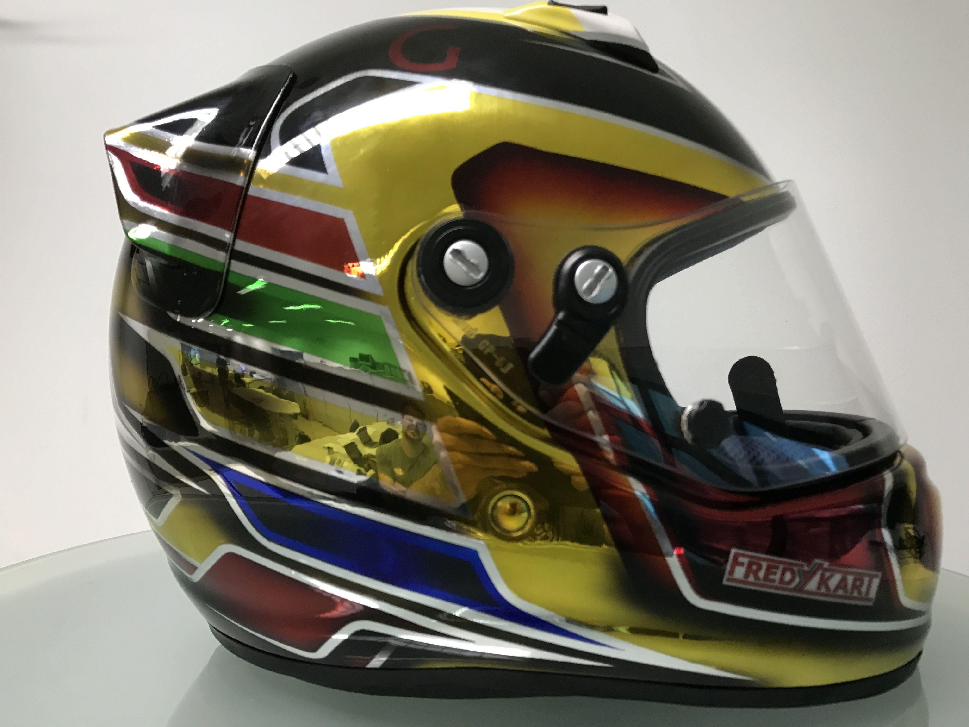 198321c54e59f Pintura em capacete arai CK6 com efeito em cromo para piloto Bernardo  Gentil by Fredy Kart