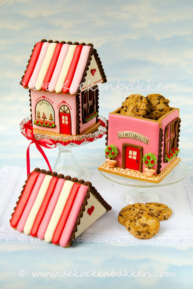 Gingerbread House Cookie Jar Cookie Cutter Set