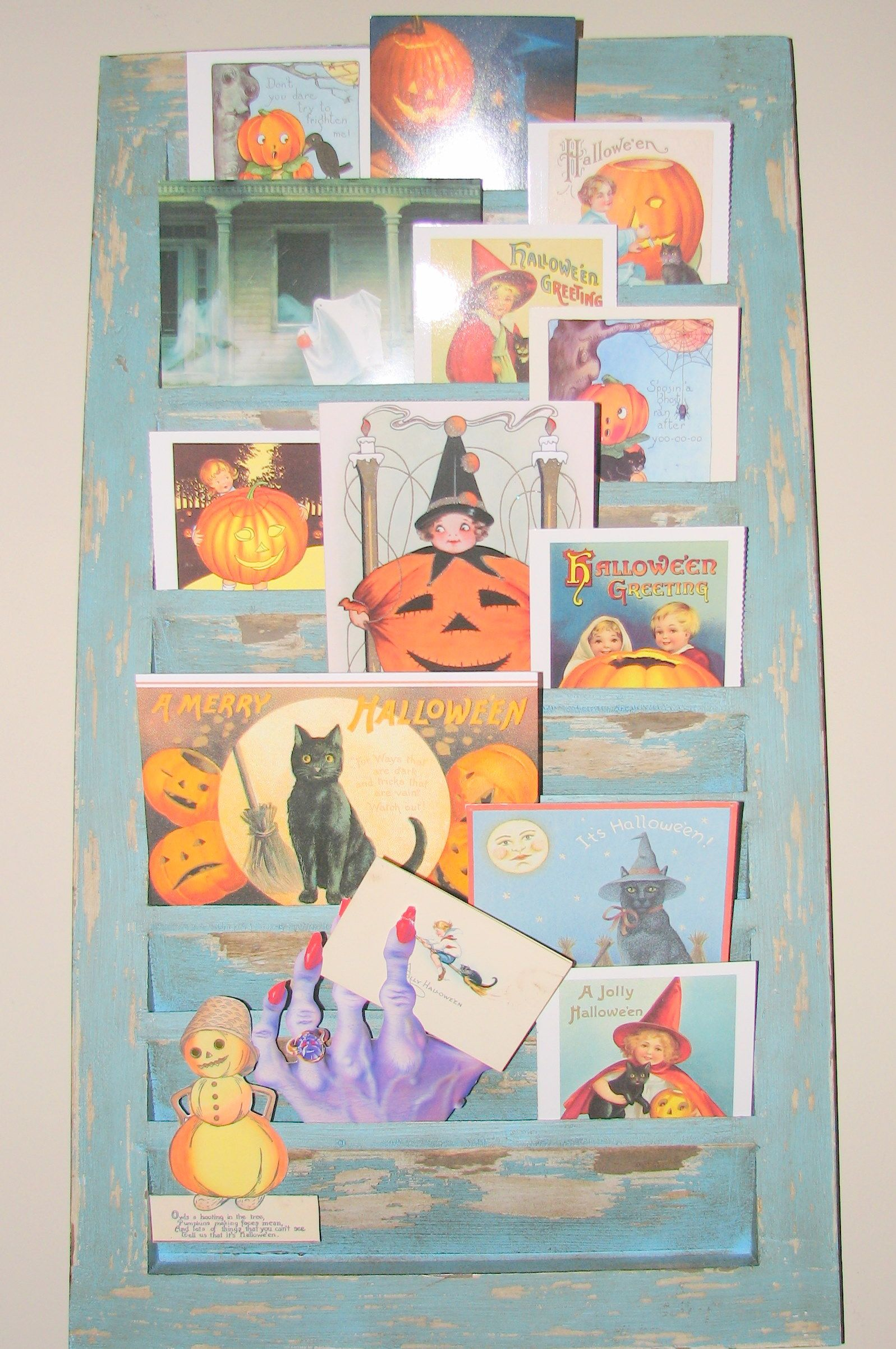 Shutter with Halloween cards
