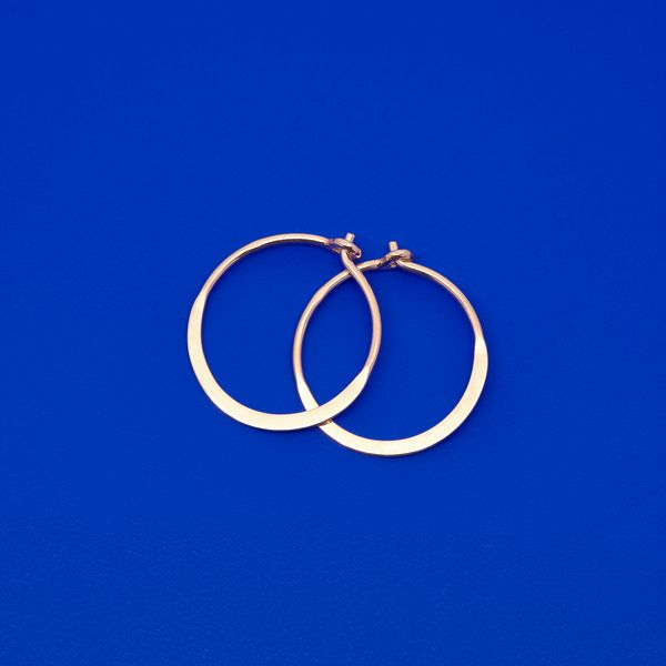 Photo of fejn jewelry Creole 'Flat Shiny Hoop'