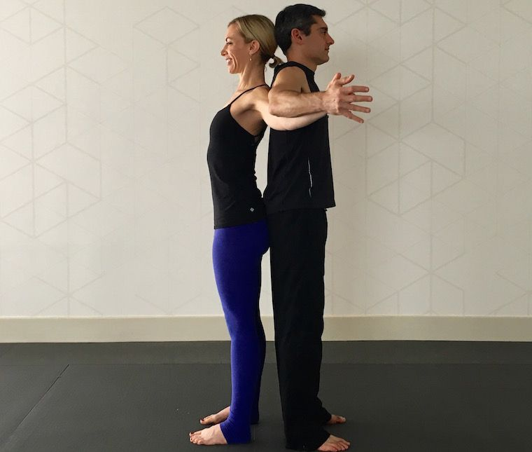 10 Partner Yoga Poses For A Strong And Flexible Relationship Partner Yoga Couples Yoga Partner Yoga Poses