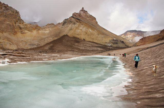© Laurent Tavignot - Cratere du volcan Mutnovski - Les merveilles du Kamtchatka