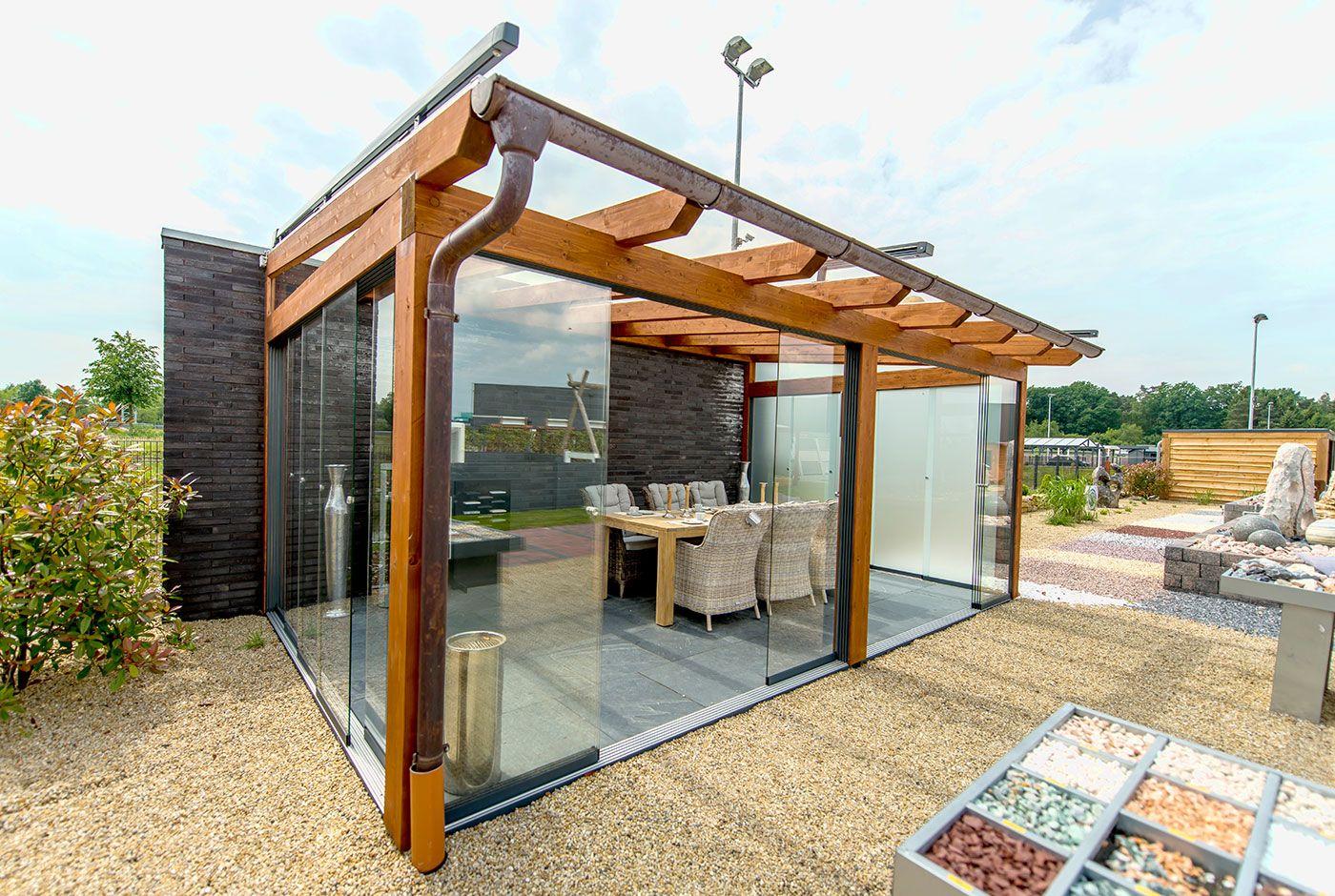 Holz Geschlossen Cool Bild Auf Acrylglas Holzfenster Geschlossen Blick Von Innen Isoliert Auf