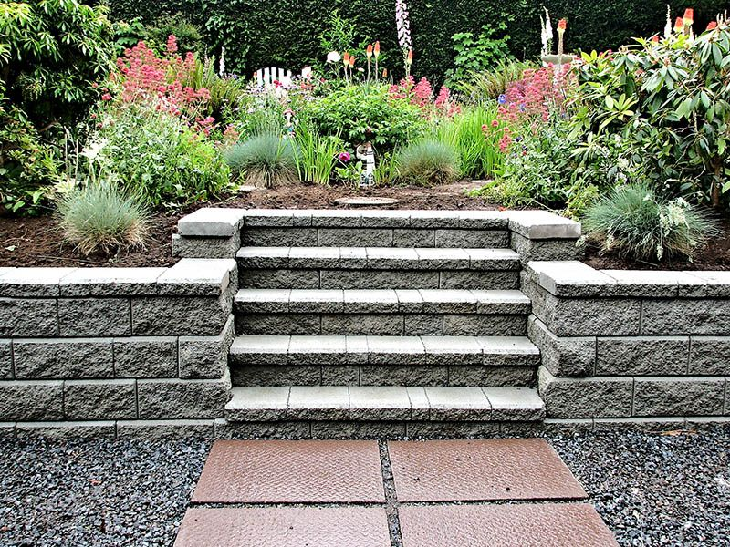 22 Practical And Pretty Retaining Wall Ideas In 2020 Retaining Wall Blocks Landscaping Retaining Walls Retaining Wall Design