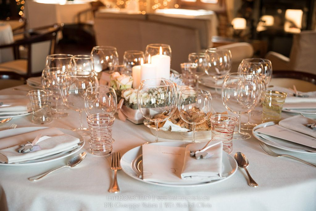Matrimonio Natale Idee : Matrimonio inverno sposa sposo portafedi tableau de