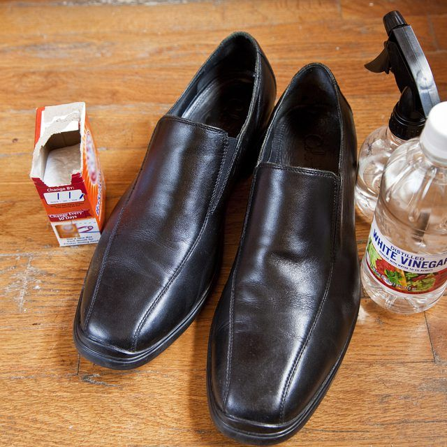 How To Clean Smelly Leather Shoes (With Images)