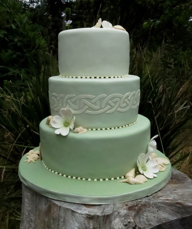 Celtic Design Wedding Cake