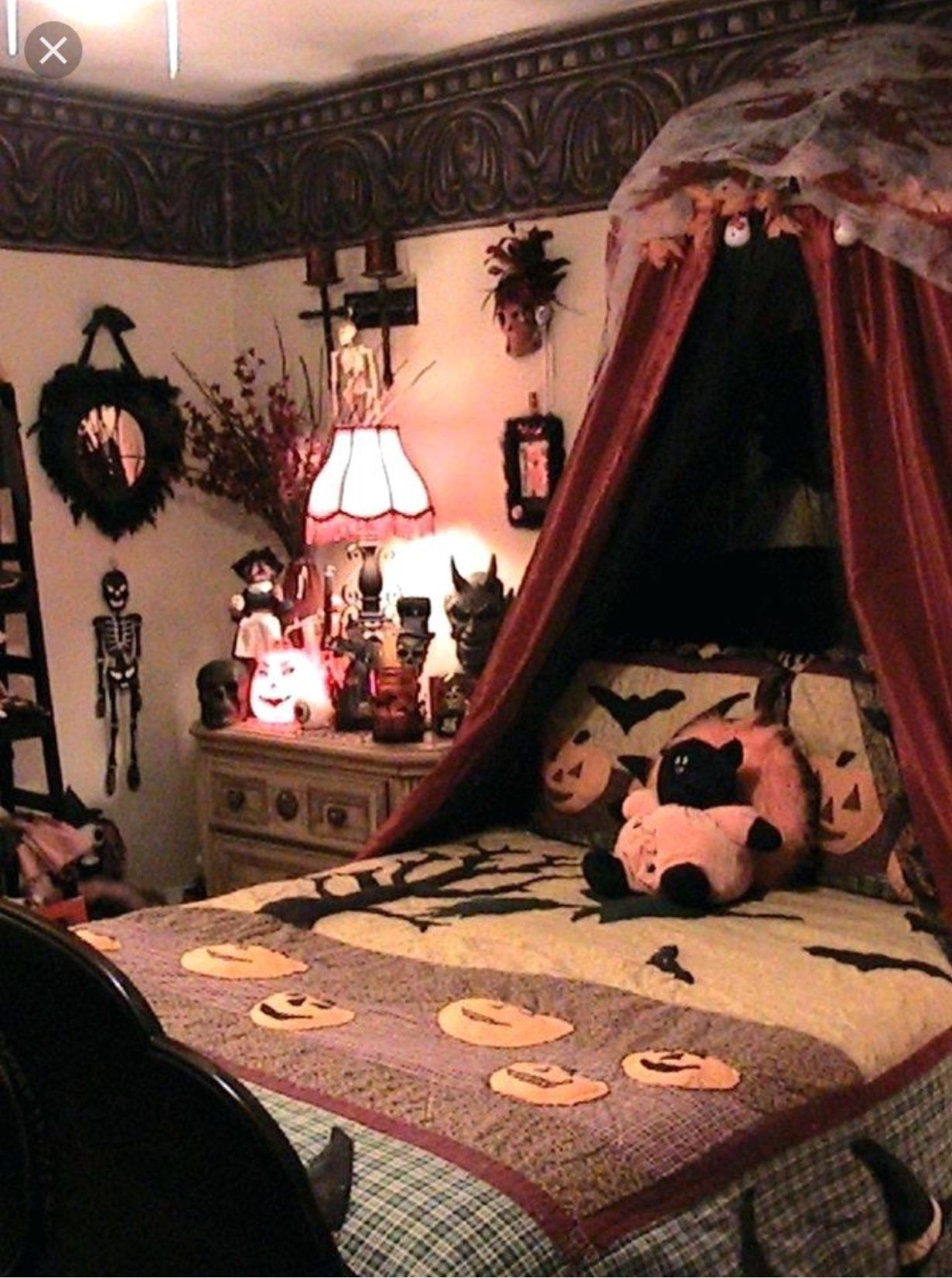 Pin by Spooky_one1031halloweenhoarder on Halloween Home