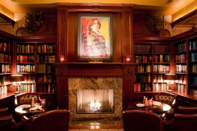 10 Great Chicago Bars With Fireplaces Chicago Bars Chicago