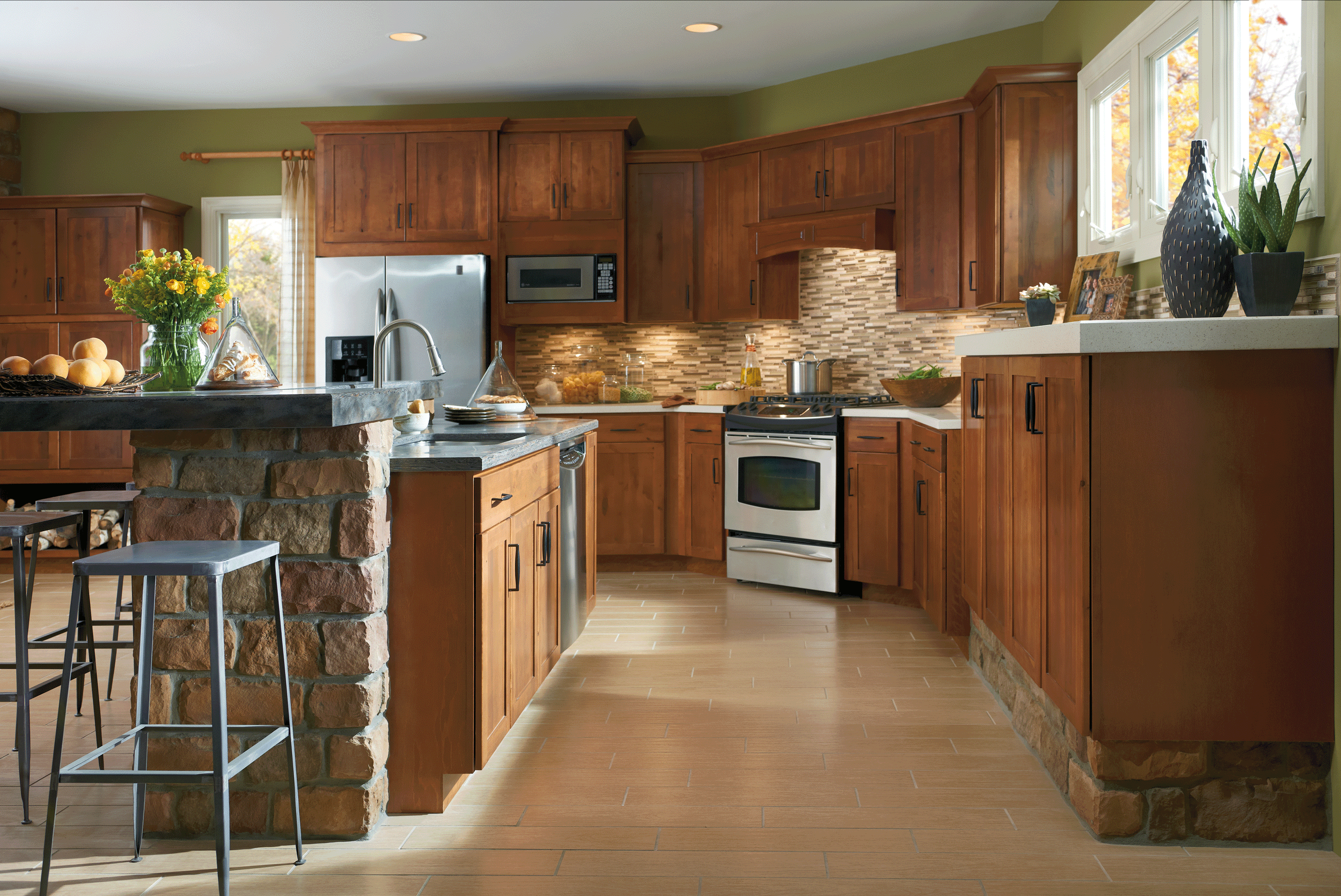 Rustic Birch Brings Rich Warmth To The Clean Classic Lines Of Harrison Flat Panel Cabinet Doors Rustic Kitchen Birch Kitchen Cabinets Rustic Kitchen Cabinets