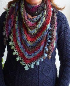 Curta esse friozinho com essa xale fashion! Fale conosco via direct ou email! #xale #crochet #crocheting #instacrochet #crochetfashion #modacrochet #fashiongram #fashionshow #xalecoloridodecrochet #crochetmoda #tendencia #tendenciaoutonoinverno #tendenciainverno2016 #tendênciainverno2016 by wedding_chrispim