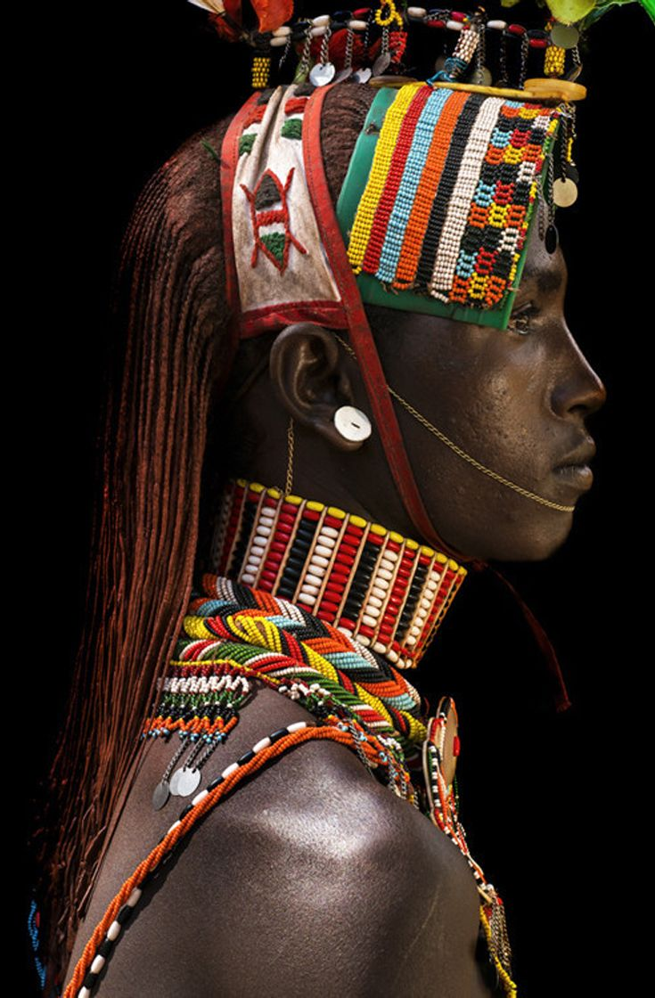 Africa | Young Samburu man. Northern Kenya | ©Benoît Feron