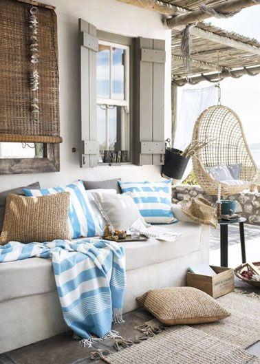 Salon de jardin sur une terrasse cosy à la déco bord de mer ...