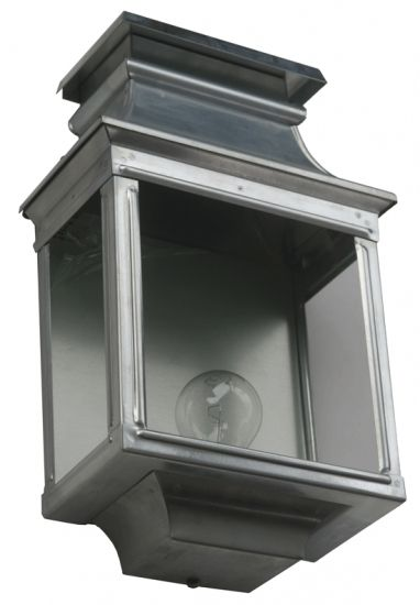 Original French Outdoor Half Lantern Louis Philippe 1 *Flache Wandleuchte Louis Philippe 1: Halblaterne aus Frankreich, Zink