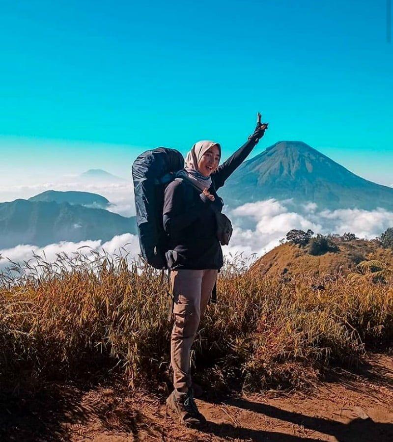 Nekat Mendaki Gunung Slamet Dua Pendaki Diblacklist Di 2020 Mendaki Fotografi Pemula Pegunungan