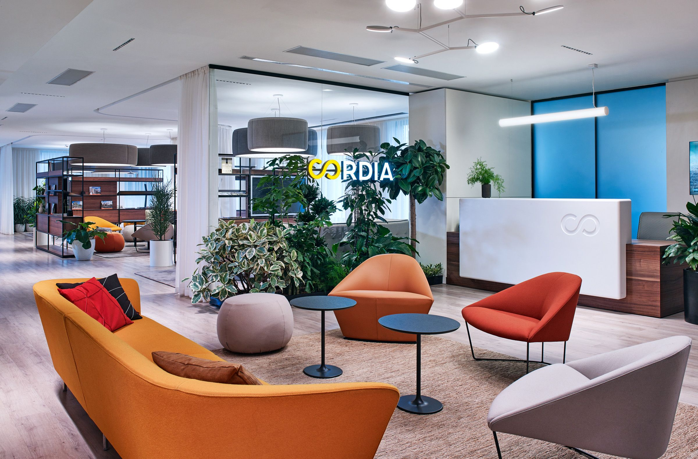 A Look Inside Cordia S Marketing Office In Budapest En 2020 Decoracion De Unas Hoteles Oficinas
