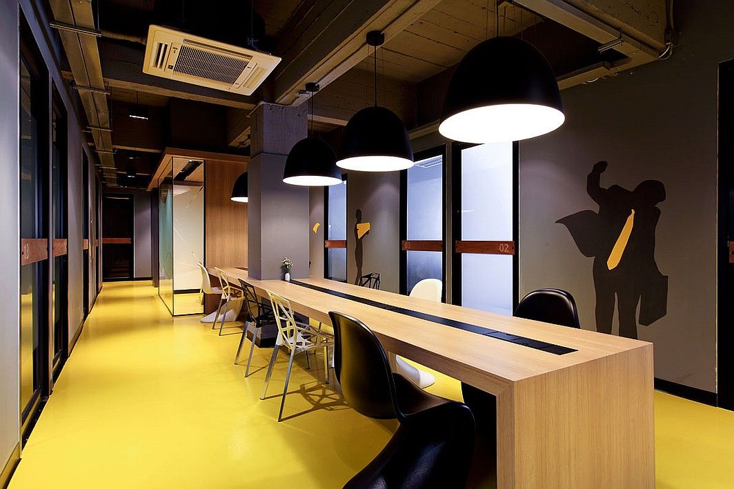 New Builds in Bangkok Office. Klique Desk's office combines co-working spaces and private offices in a single location, while creating one distinct brand identity.