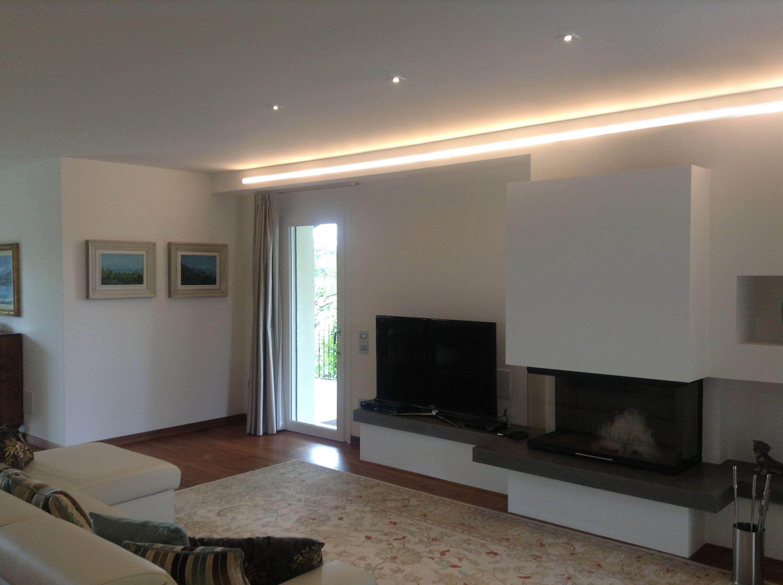 Abitazione privata #illuminazione #soggiorno #tagli #luce #LED ...