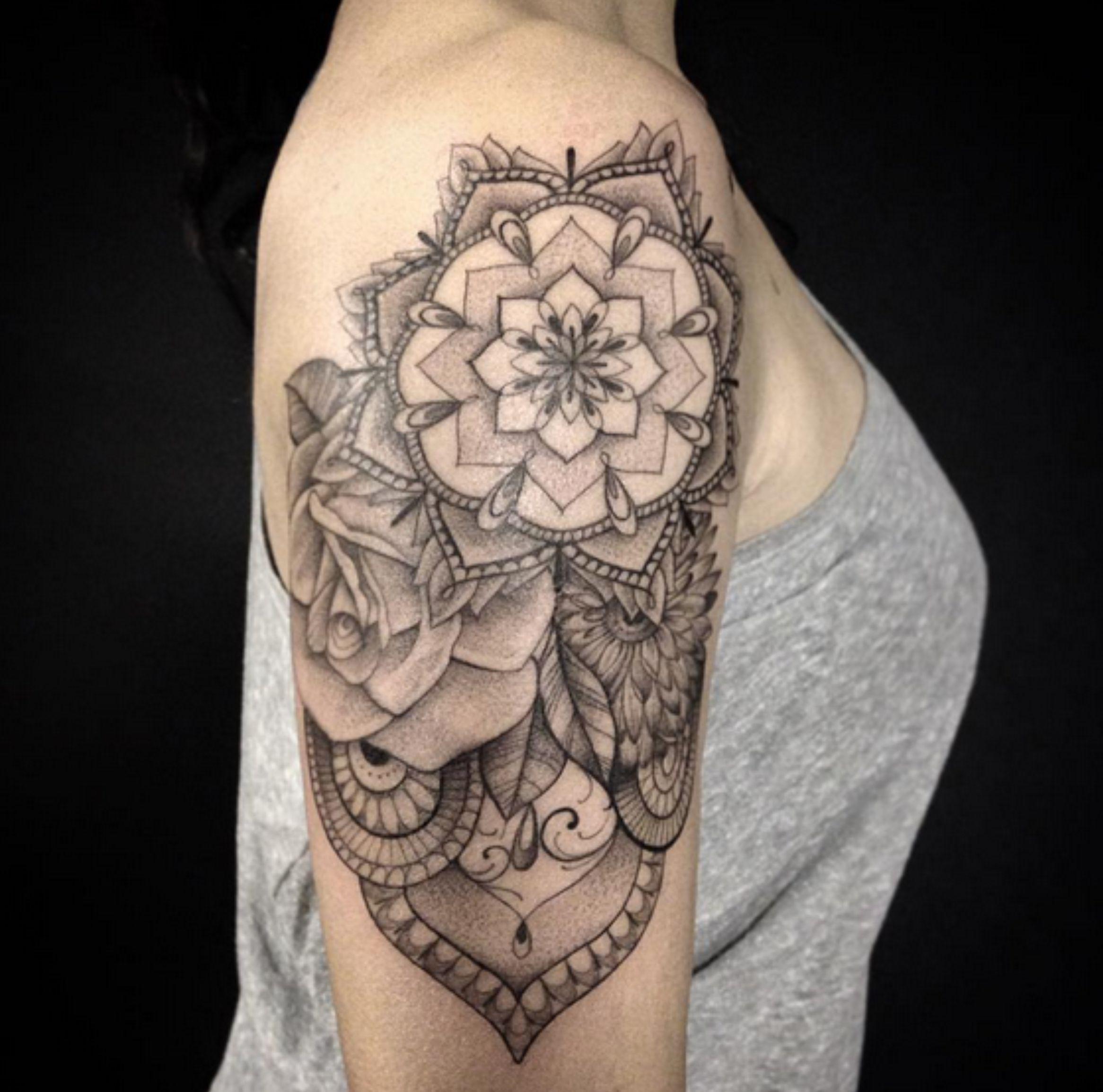 tattoo ombro feminina Pesquisa Google Tattoo ombros