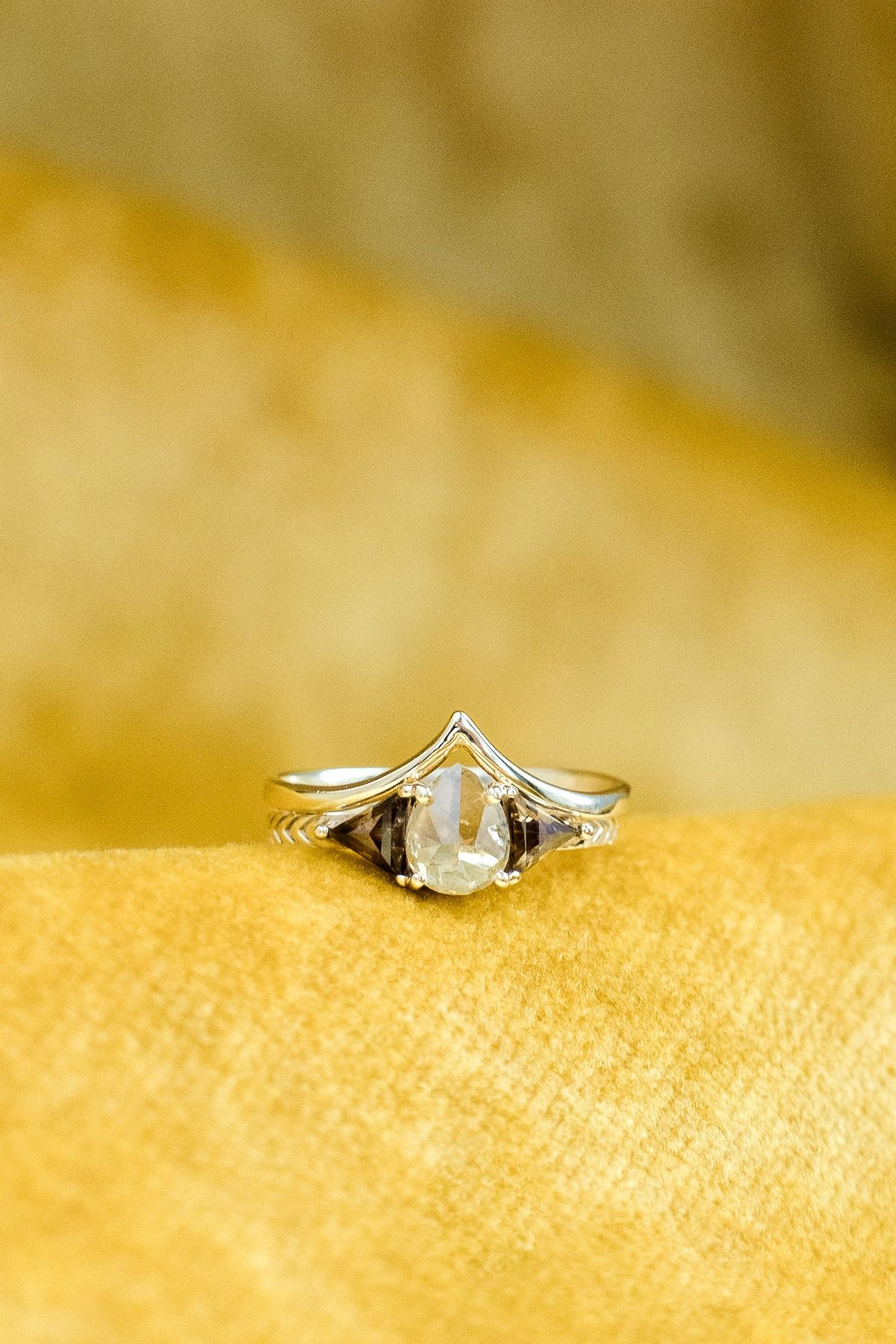 Inspiration Pittsburgh Wedding Ideas From Burgh Brides In 2020 Wedding Rings Engagement Wedding Rings Unique Wedding Ring Designs