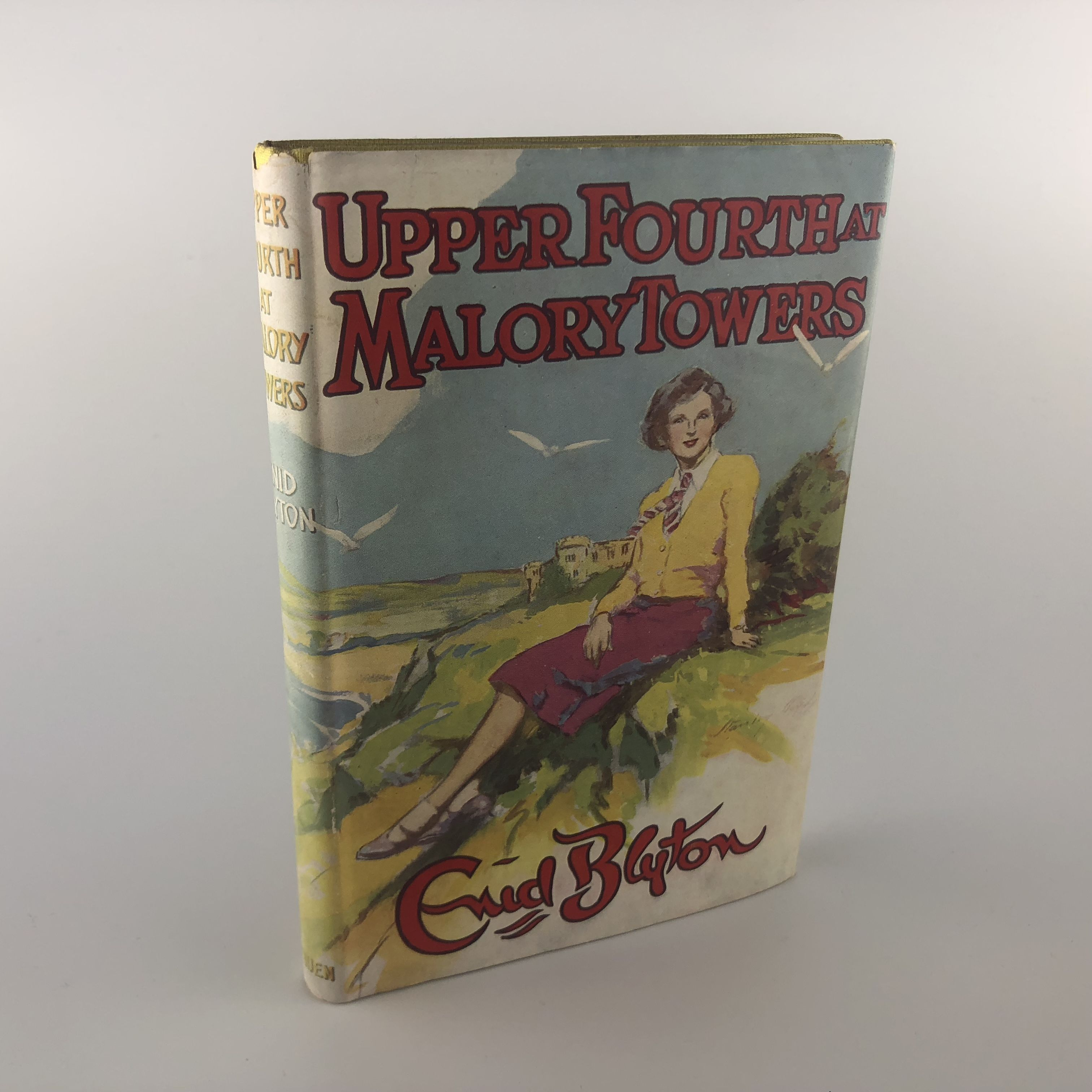 Upper Fourth at Malory Towers by Enid Blyton Methuen