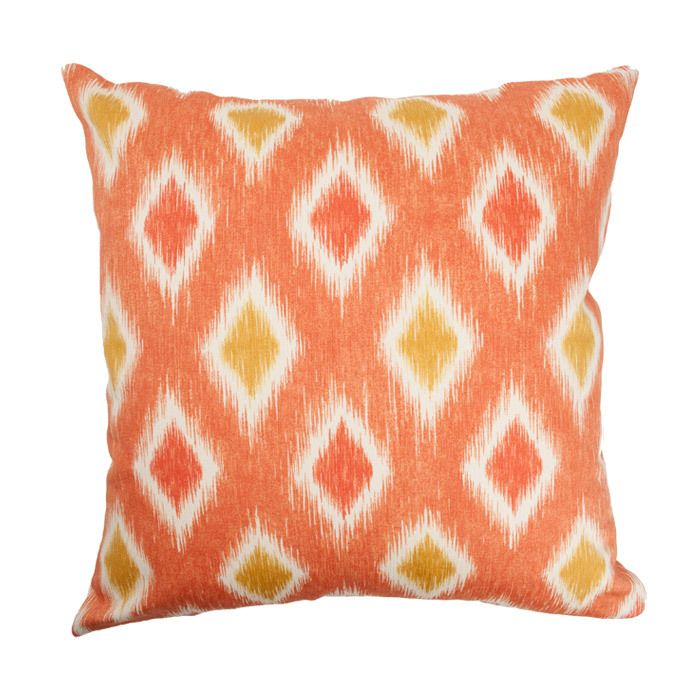 isn't this the same pattern as your blue/green pillow?