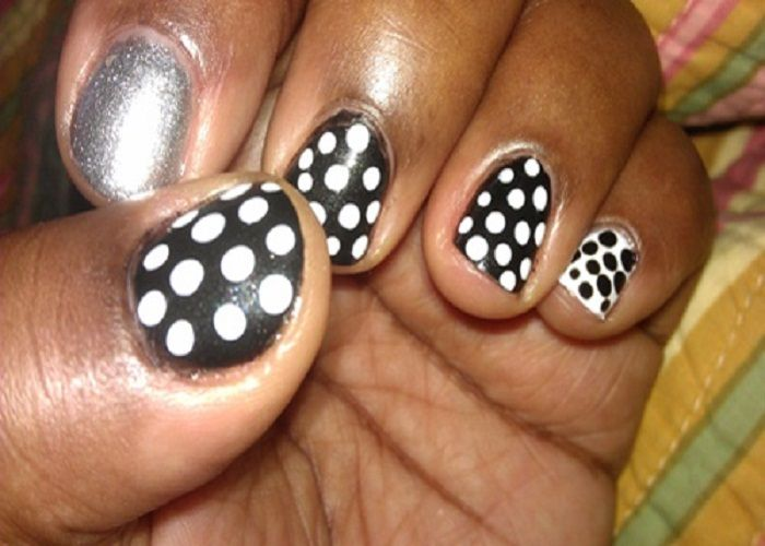 Black Nail Designs: Black And White Dots Short Nail Design Ideas ...