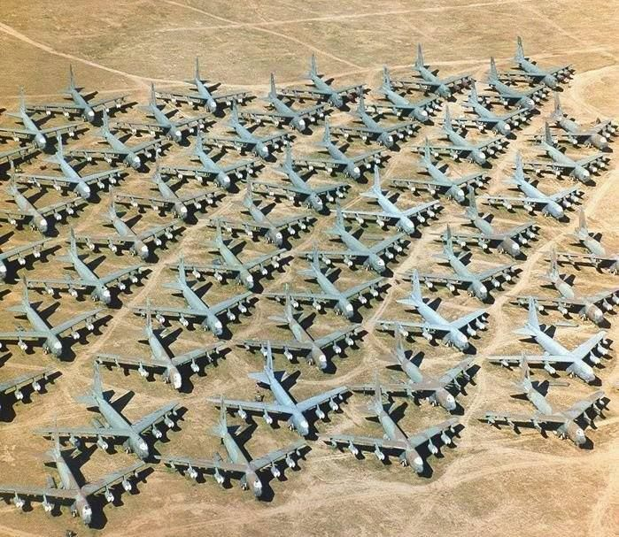 Over 4000 Us Air Force Planes Are Laid To Rest At The Boneyard At
